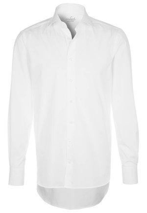 RIVARA TAILOR FIT - Formal shirt - weiß
