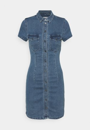 NMJOY DRESS - Denimové šaty - medium blue denim