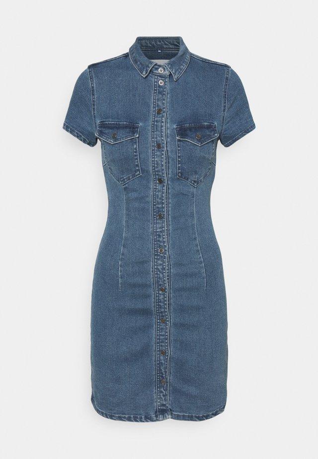 NMJOY DRESS - Robe en jean - medium blue denim