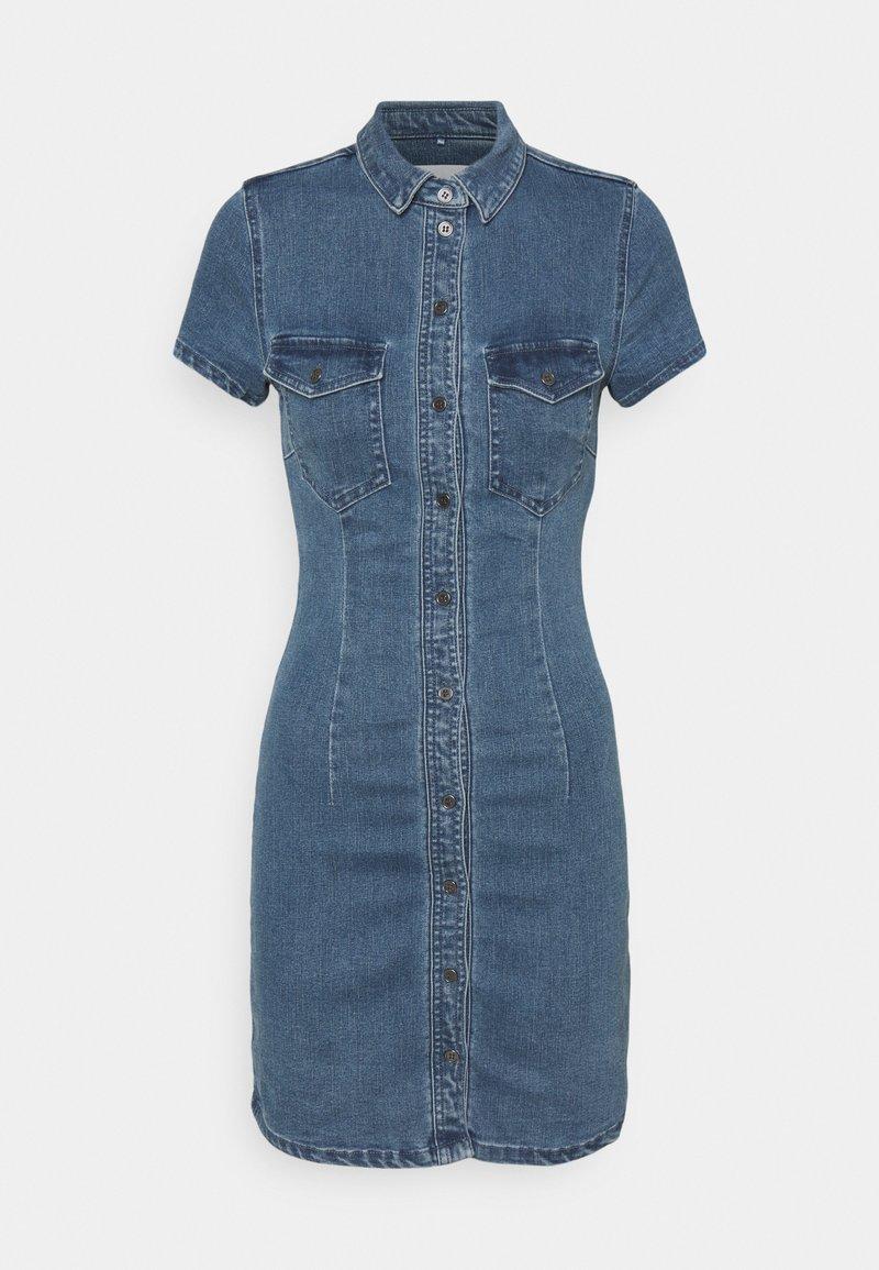 Noisy May Petite - NMJOY DRESS - Denimové šaty - medium blue denim