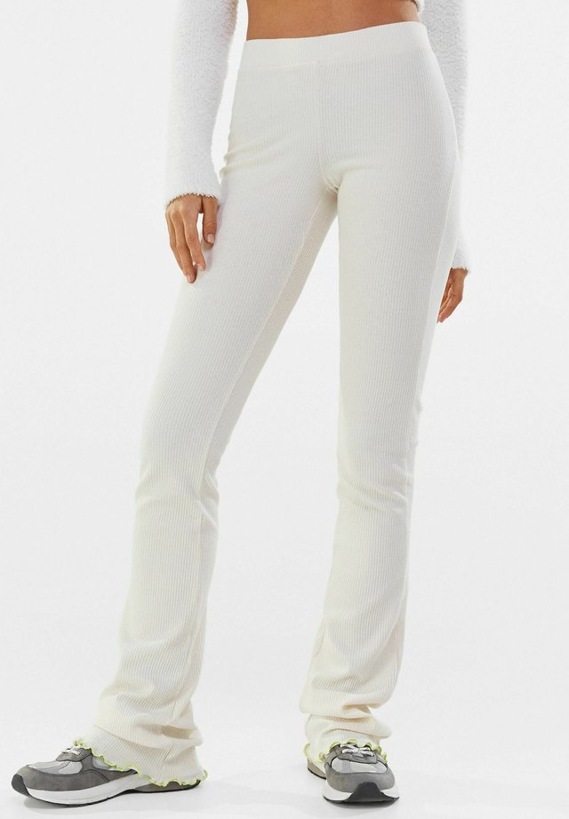 MIT PATENTMUSTER  - Pantalon classique - stone