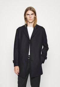 DRYKORN - STEER - Short coat - blau - 0