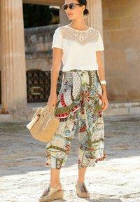 Alba Moda - Trousers - off white grün blau - 3