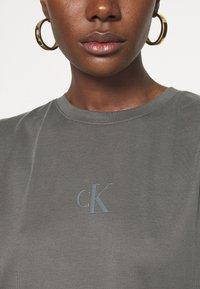 Calvin Klein Jeans - DRAPEY CAP SLEEVE  - Basic T-shirt - black - 4