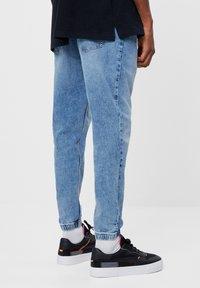 Bershka - Jeans fuselé - blue denim - 2