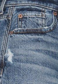 American Eagle - FESTIVAL  - Denim shorts - medium wash - 2