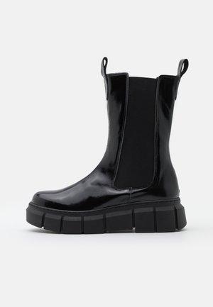 PICK UP - Platåstøvletter - black