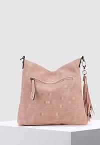 SURI FREY - ROMY BASIC - Across body bag - mottled light pink - 3