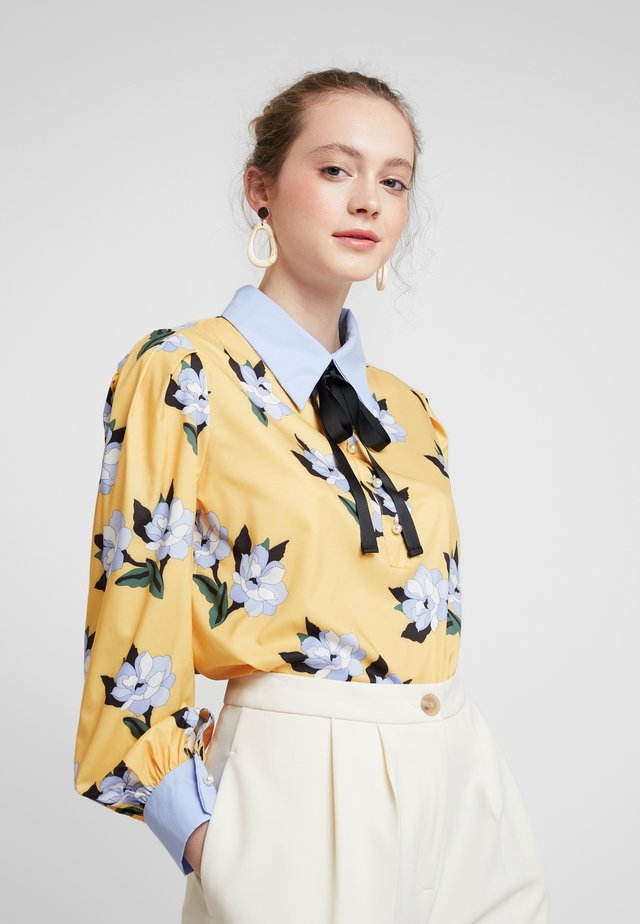 SPECTATE FLORAL PRINT COVEN - Bluser - yellow