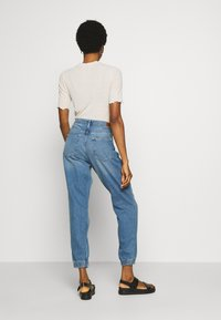 ONLY - ONLCLIP - Jeansy Relaxed Fit - medium blue denim - 2