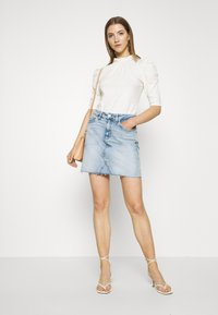 Tommy Jeans - SHORT SKIRT - Jupe en jean - cony light blue comfort - 1