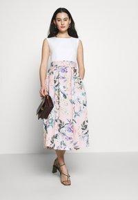 Closet - CLOSET PLEATED SKIRT DRESS - Cocktail dress / Party dress - peach - 1