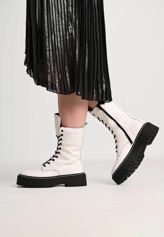 DIANA - Platform ankle boots - white/ black