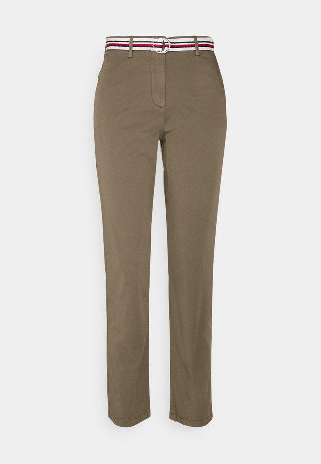 CHINO SLIM PANT - Chino kalhoty - dark shale