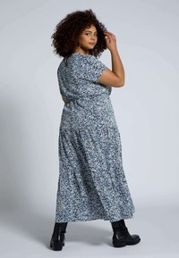 Studio Untold - STUDIO UNTOLD  - Maxi dress - lavendel - 1