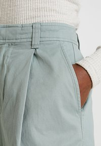 GAP - HI-RISE PLEATED  - Broek - sage - 4