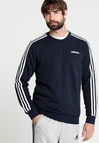 adidas Performance - Essentials 3-Stripes Sweatshirt - Sweatshirt - legend ink/white - 0