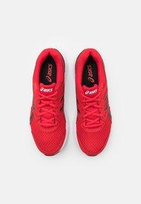 ASICS - JOLT 3 - Chaussures de running neutres - classic red/black - 3