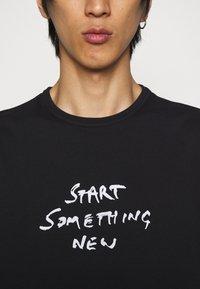 Paul Smith - T-shirt print - black - 4
