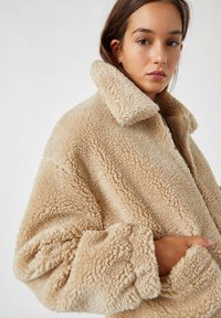 PULL&BEAR - Fleece jacket - camel - 3