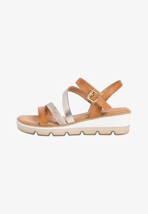 Sandales compensées - nut antic comb