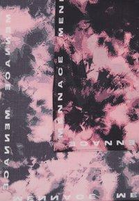 Mennace - BANDANA UNISEX - Foulard - pink - 2