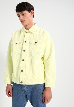 OVERSIZE FIT - Spijkerjas - powder yellow