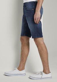 TOM TAILOR DENIM - Denim shorts - blue denim - 3