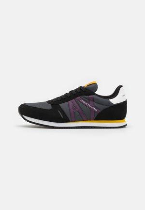 Trainers - black/iron