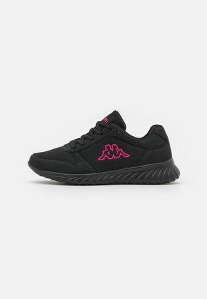 SAMURA OC - Scarpe da fitness - black/pink