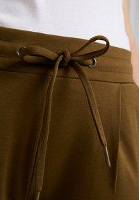 ICHI - KATE - Tracksuit bottoms - dark olive - 6