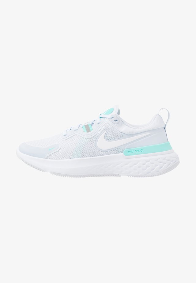 REACT MILER - Chaussures de running neutres - football grey/white/aurora green