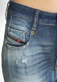 Diesel - FAYZA - Relaxed fit jeans - indigo - 5