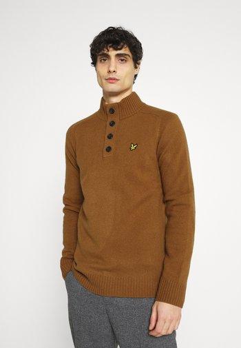 FUNNEL NECK JUMPER - Stickad tröja - tawny brown
