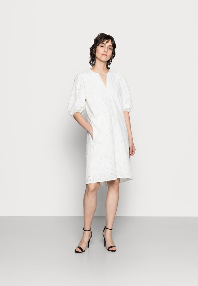 HARLENE DRESS - Korte jurk - white