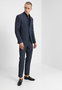 Isaac Dewhirst - FASHION STRUCTURE SUIT SLIM FIT - Suit - blue - 1
