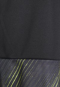 Puma - INDIVIDUAL SHORTS - Short de sport - black/yellow alert - 2