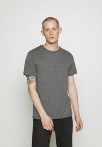 Burton Menswear London - 3 PACK - Basic T-shirt - grey - 4