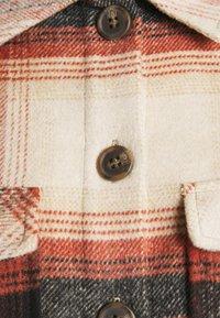 Pieces - PCCARLENE SHACKET - Summer jacket - aragon/birch/black - 2