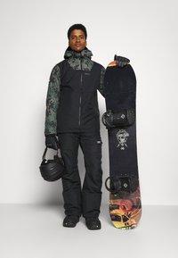 COLOURWEAR - BLOCK JACKET - Giacca da snowboard - black - 1
