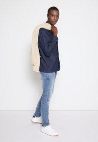 TOM TAILOR DENIM - PIERS - Jeans slim fit - bleached blue denim - 3