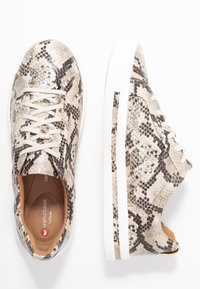 Clarks Unstructured - UN MAUI LACE - Sneakers - natural - 3