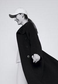 Theory - BELT COAT LUXE - Classic coat - black - 2