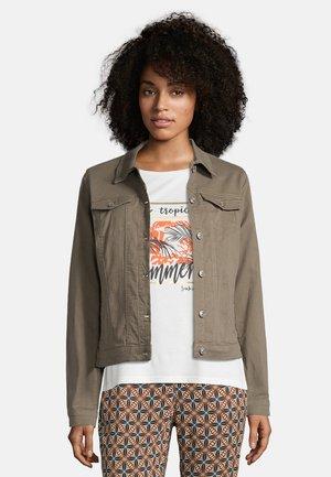 MIT AUFGESETZTER BRUSTTASCHE - Denim jacket - khaki