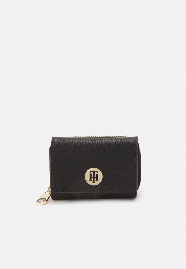 HONEY MED FLAP - Wallet - black