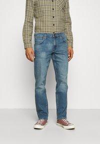 Wrangler - GREENSBORO - Straight leg jeans - blue fever - 0