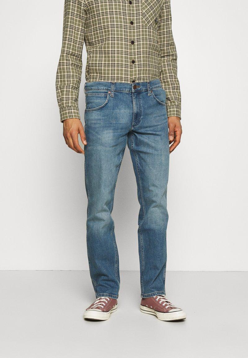 Wrangler - GREENSBORO - Straight leg jeans - blue fever