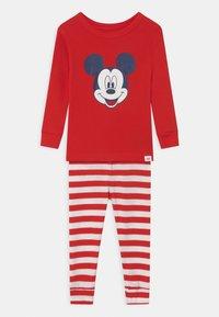 GAP - TODDLER BOY MICKEY MOUSE - Pyjama set - killer tomato - 0