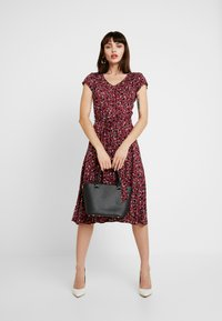 Dorothy Perkins - VNECK SHORT SLEEVE MIDI FIT AND FLARE DRESS - Day dress - red - 2