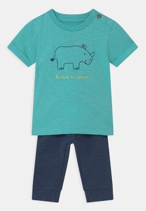 BABY SET - T-shirt print - light blue/dark blue